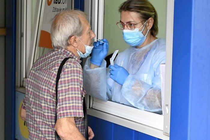 Ilustračný obrázok k článku Čaká vás testovanie v revúckej nemocnici? Pozor, menia sa odberové hodiny