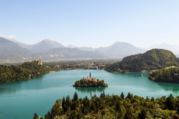 Ilustračný obrázok k článku Výnimka z karantény pre tranzit cez Slovinsko sa RUŠÍ! Pripravte si tieto potvrdenia
