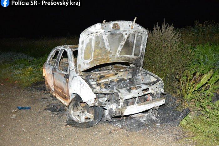 Ilustračný obrázok k článku Podivná letná zábava v známej osade pod Tatrami: Deti zrejme podpálili auto, FOTO