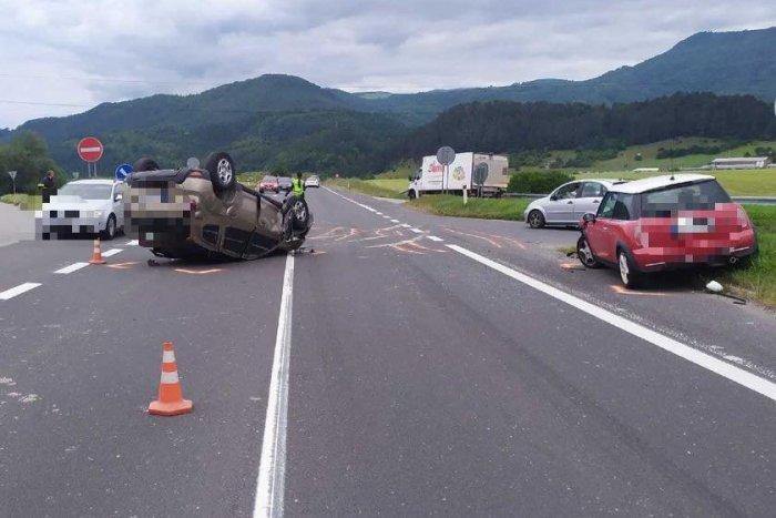 Ilustračný obrázok k článku Na Horehroní zasahovali všetky záchranné zložky: Pri nehode áut sa zranili 4 osoby