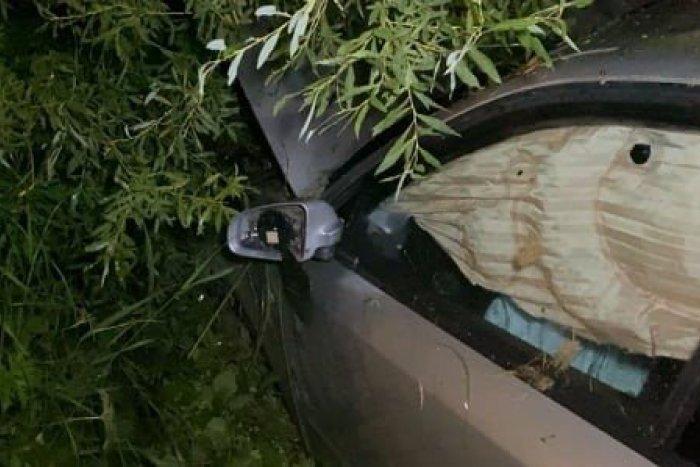 Ilustračný obrázok k článku Nehoda neďaleko Spišskej: Opitý mladík na audine vyletel z cesty