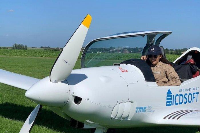 Ilustračný obrázok k článku SVET O SLOVENSKU: Tínedžerka chce obletieť svet na slovenskom lietadle