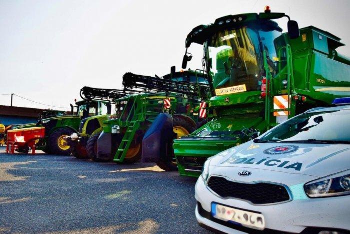 Ilustračný obrázok k článku POZOR na krádeže v Nitrianskom kraji: Zlodeji sa zameriavajú na GPS z traktorov!