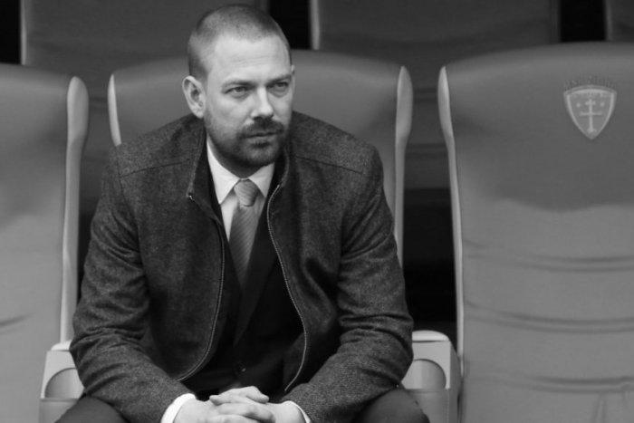 Ilustračný obrázok k článku Smutná správa zo žilinského klubu: Futbalovú rodinu navždy opustil Marek Majtán