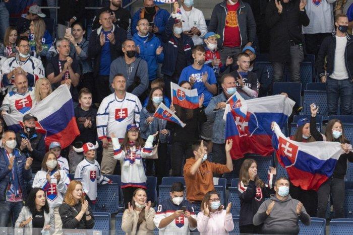 Ilustračný obrázok k článku Hokejisti si to zase skomplikovali: Našťastie začali boj o olympiádu úspechom! FOTO