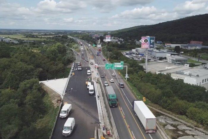 Ilustračný obrázok k článku Opravu mosta na D2 v Lamači stihli skôr. Pozor na TIETO obmedzenia! VIDEO