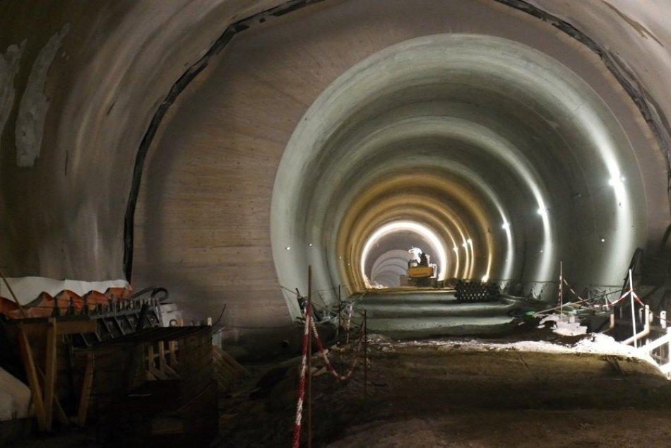 Ilustračný obrázok k článku Ako to vyzerá s výstavbou tunela Višňové? Kontrolný deň ukázal pravdu, VIDEO