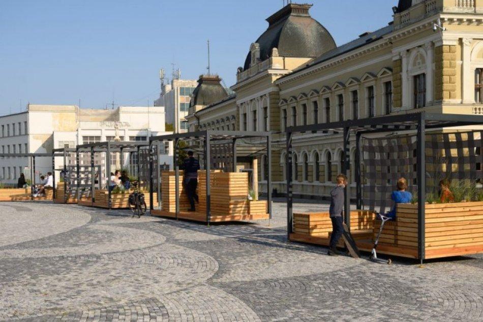 Ilustračný obrázok k článku Moduly na námestí schytali kritiku: Prečo stáli takmer 100-tisíc eur?