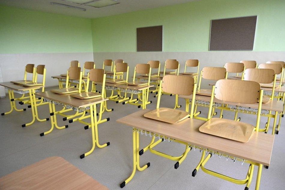 Ilustračný obrázok k článku Covid úraduje na základných školách. V karanténe je päť tried z jednej školy