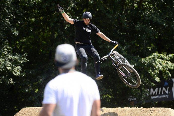 Ilustračný obrázok k článku Bicyklový festival v Kálnici prináša poriadnu dávku adrenalínu