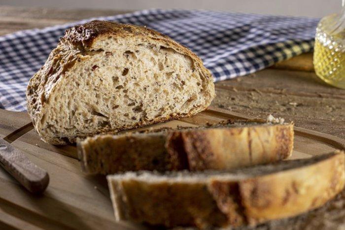 Ilustračný obrázok k článku Naučte sa správne zmraziť chlieb a rožky: Pár krokov a pečivo chutí výborne!