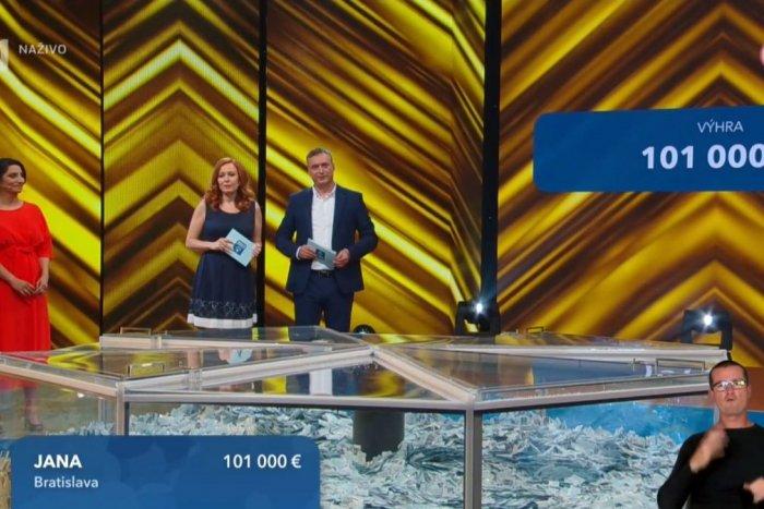 Ilustračný obrázok k článku Neuveriteľný PARADOX lotérie: Výherkyňa Jana získala 101-tisíc, ale ležala doma s COVIDOM!