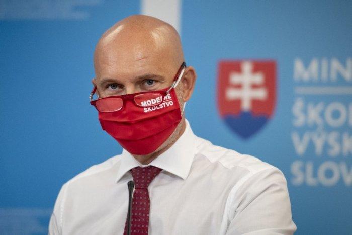 Ilustračný obrázok k článku Vo Zvolene sa ukáže minister Gröhling: Hovoriť bude o očkovaní na stredných školách