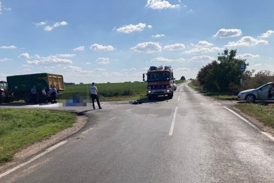 Ilustračný obrázok k článku Neďaleko Hlohovca došlo k tragédii: Motocyklista neprežil zrážku s traktorom, FOTO