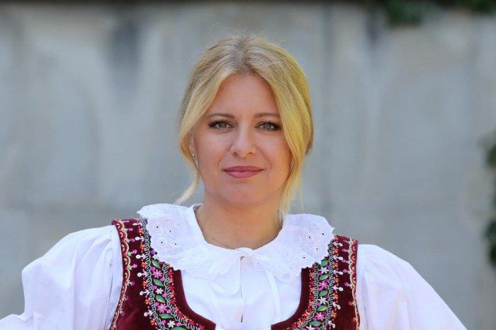 Ilustračný obrázok k článku Netradičný outfit Zuzany Čaputovej: POZRITE, prezidentka si obliekla kroj!