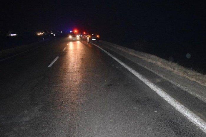 Ilustračný obrázok k článku Nočná TRAGÉDIA cyklistu na ceste III. triedy: Mužovi nebolo pomoci, ležal na vozovke!