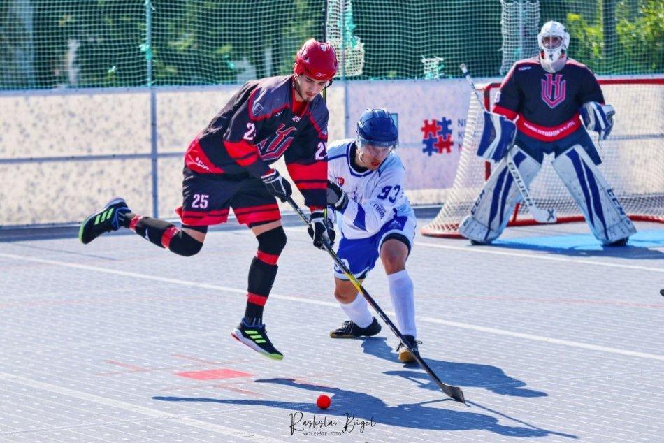 Ilustračný obrázok k článku Rozbehla sa hokejbalová extraliga: Dráma v Nitre vyústila do predĺženia, FOTO