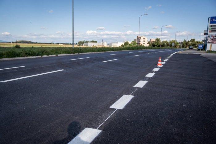"""Ilustračný obrázok k článku Koniec starej """"panelky"""": Cesta na Koniarekovej a Zavarskej je opravená"""