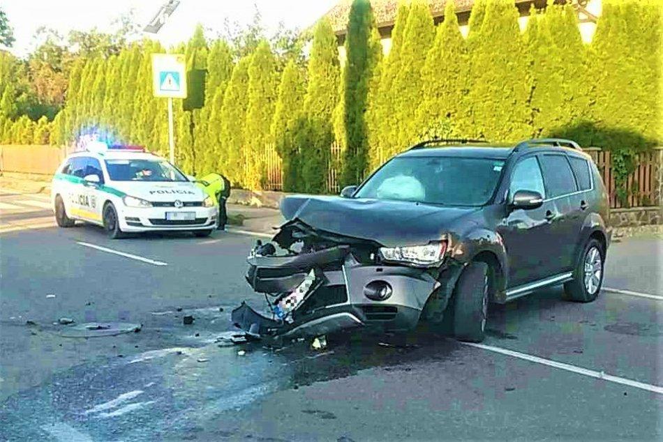 Ilustračný obrázok k článku Nehoda v okrese Trenčín: Zraneného previezli do nemocnice, FOTO