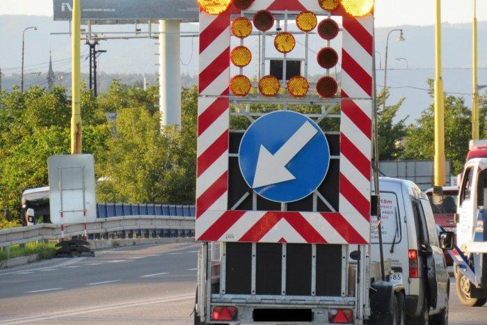 Ilustračný obrázok k článku Pri križovatke Trenčín, juh sa skomplikuje doprava: DNI, keď budú opravovať most