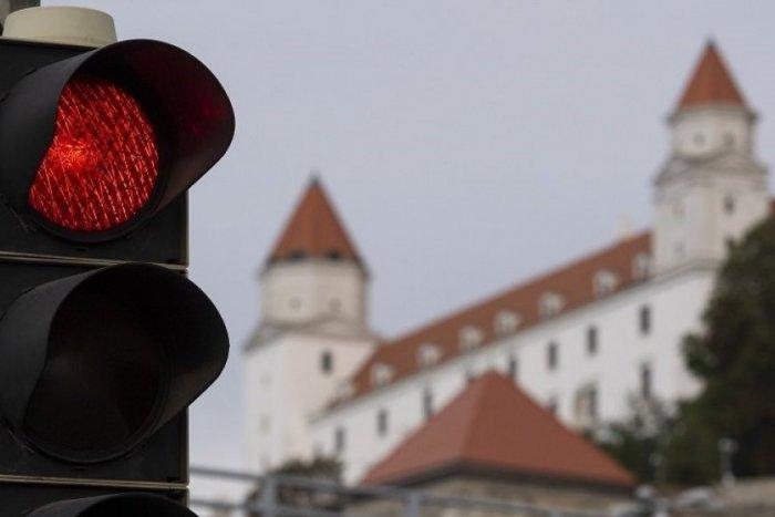 Ilustračný obrázok k článku Nový COVID automat hlási červené okresy: Jeden z nich bude v stupni ohrozenia od ZAJTRA!