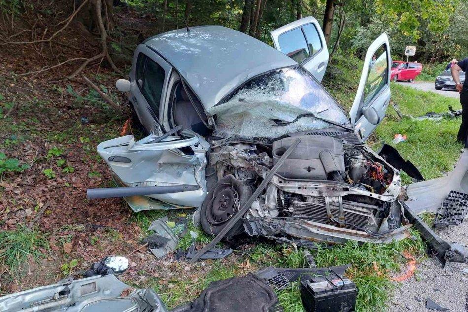 Ilustračný obrázok k článku Polícia prehovorila o vážnej nehode v Starých Horách: Takto došlo k čelnej zrážke, FOTO