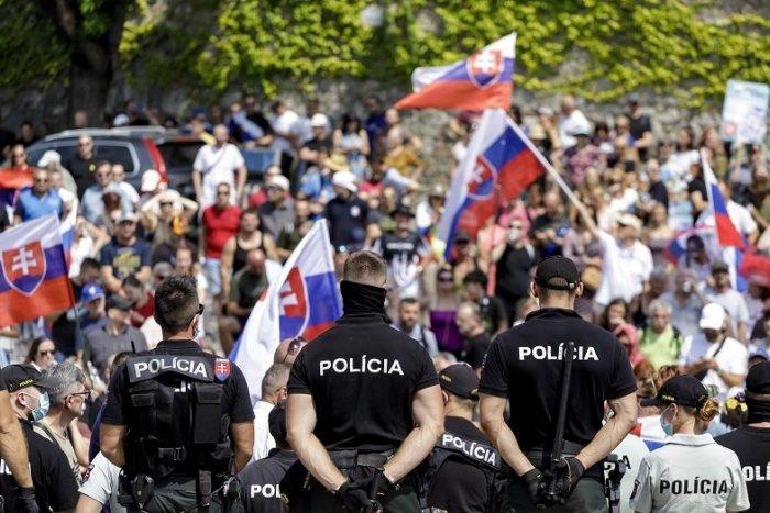 Ilustračný obrázok k článku Príchod pápeža bude sprevádzať PROTEST v Bratislave: Davy chcú ODLUKU cirkvi od štátu