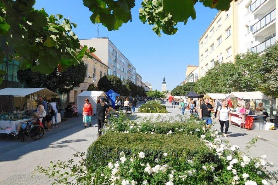 Ilustračný obrázok k článku Aká NÁLADA panuje v centre Trnavy? Vychutnali sme si Jarmočný víkend! FOTO