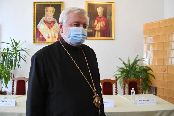 Ilustračný obrázok k článku Jeden dar pre hlavu katolíckej cirkvi je odtajnený: Metropolita Babjak má pripravené huby