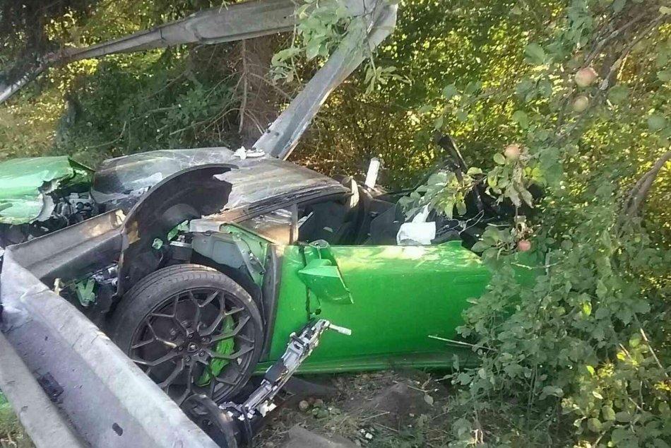 Ilustračný obrázok k článku SaS vo veľkom žiali! Nehodu v luxusnom aute neprežil okresný predseda strany