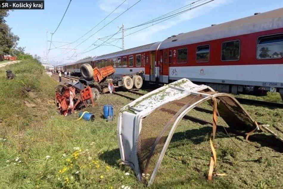 Ilustračný obrázok k článku Vyčíslili škodu po zrážke rýchlika s nákladiakom: VYŠPLHALA sa na takmer 2,5 milióna