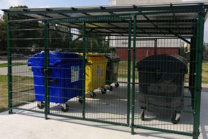 Ilustračný obrázok k článku Zdražovanie mení plány: Handlová si musí na oplotené stojiská na odpad počkať