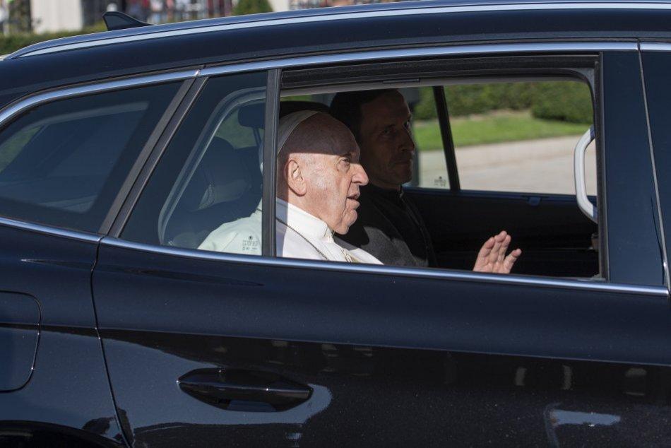 Ilustračný obrázok k článku Pápež v Košiciach: Budete mu môcť niekde zamávať? Navštívi Hlavnú ulicu?