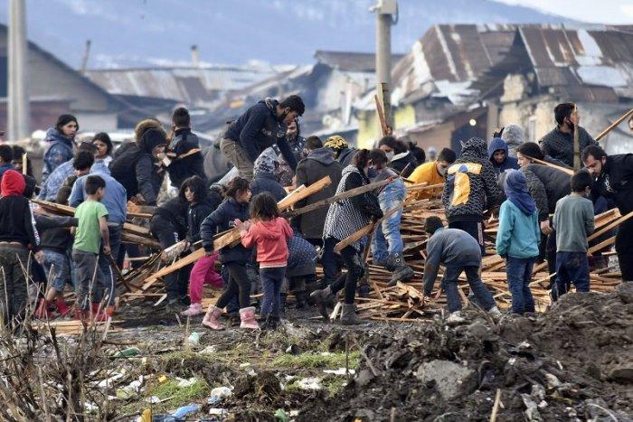 Ilustračný obrázok k článku Jovanovič: Rómovia zažili desaťročia kolektívneho zanedbávania. Má to dopad na všetko