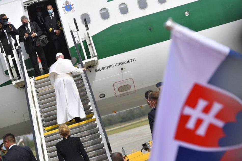 Ilustračný obrázok k článku Po odchode pápeža bude Trenčiansky kraj ČERVENŠÍ: Takto prefarbili okresy