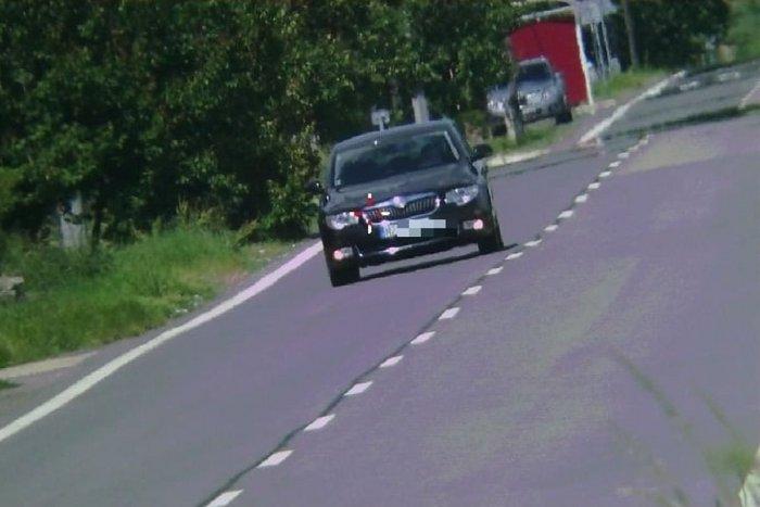 Ilustračný obrázok k článku Policajti rozdávali 800-eurové pokuty: Vodič prekročil rýchlosť o vyše 100 km/h!
