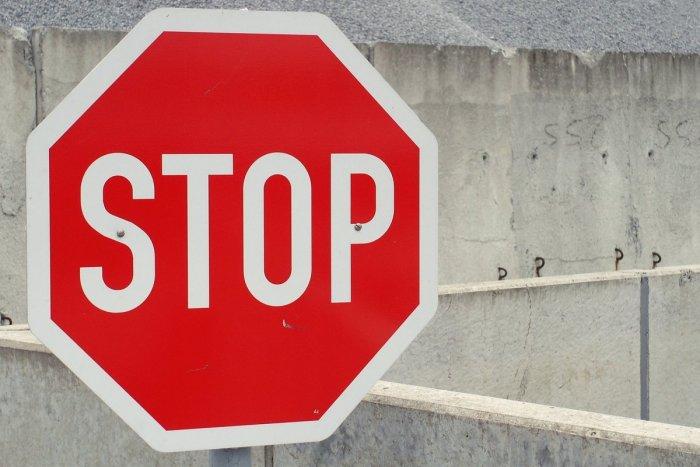 Ilustračný obrázok k článku VÍKEND nabitý dopravnými obmedzeniami! Vodiči, buďte v Trnave a Hlohovci v STREHU!