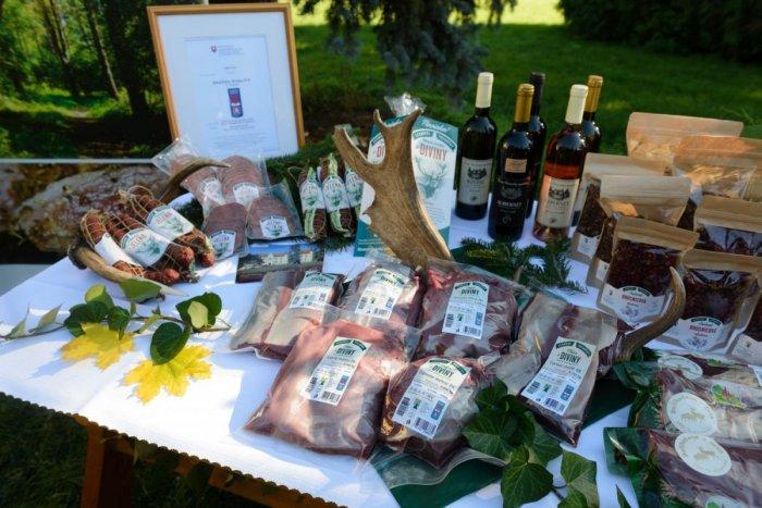 Ilustračný obrázok k článku Oslavujú aj štátni lesníci v Topoľčiankach: Pripomínajú si STOROČNICU