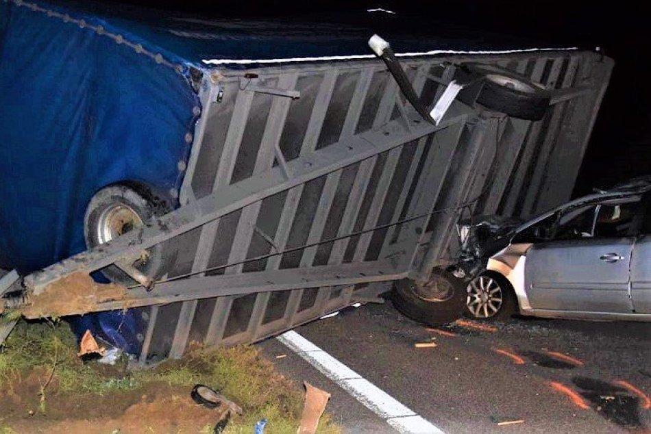 Ilustračný obrázok k článku Vážna nehoda uzavrela D1 na dlhé HODINY! Z miesta hlásia štyroch zranených, FOTO
