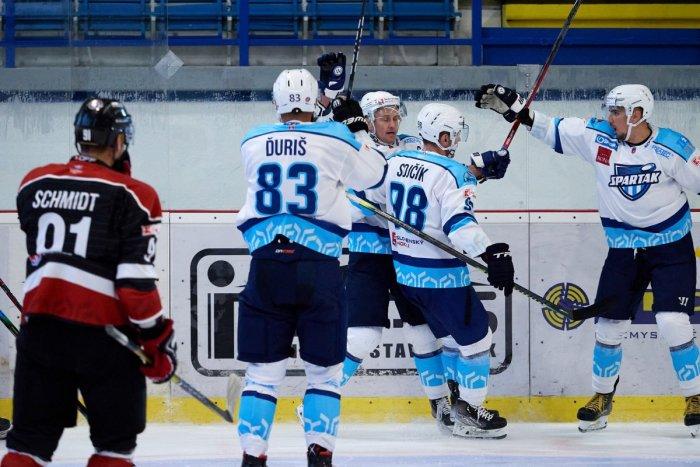 Ilustračný obrázok k článku To bola PRESTRELKA! Hokejisti Trnavy nasúkali 5 gólov, ale na Dubnicu to nestačilo