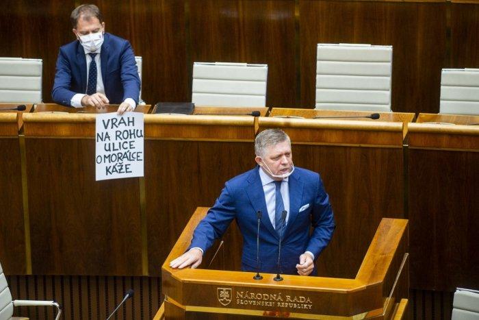 Ilustračný obrázok k článku Matovič opäť provokoval PLAGÁTOM: Lepšie byť MAFIÁN ako plagiátor, vyhlásil Fico