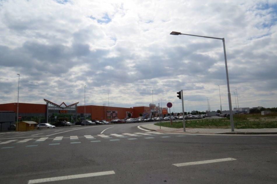Ilustračný obrázok k článku V Michalovciach otvorili nové obchodné centrum: Pozrite si prvé zábery