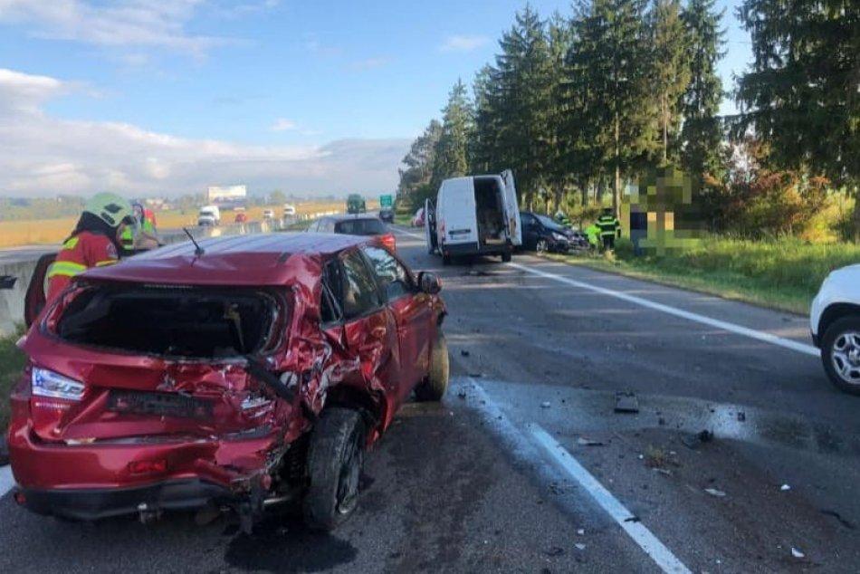 Ilustračný obrázok k článku Mrazivá bilancia nehody medzi Zvolenom a Bystricou: Zranenia utrpeli až 3 osoby, FOTO