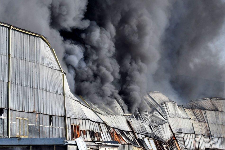 Ilustračný obrázok k článku Ničivý požiar na východe hasili dva dni: Škody sa blížia k miliónu eur!