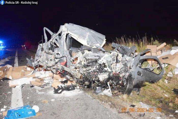 Ilustračný obrázok k článku Z auta nezostalo takmer nič: Zrážka pri Rožňave skončila hroznou tragédiou, FOTO