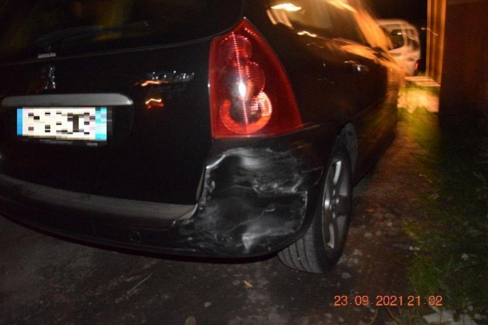 Ilustračný obrázok k článku Vo Fiľakove došlo ku kurióznej nehode pri cúvaní: Čím si vodič zarobil na problém? FOTO