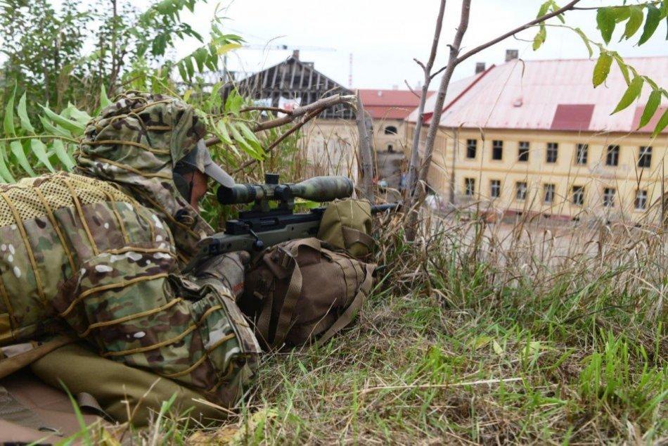 Ilustračný obrázok k článku Ostreľovači a kukláči v akcii: V kraji cvičili protiteroristické jednotky, FOTO