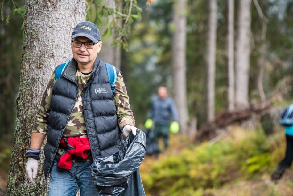 Ilustračný obrázok k článku FOTO: Veľké jesenné upratovanie pod Chopkom, dobrovoľníci prišli aj z ďaleka