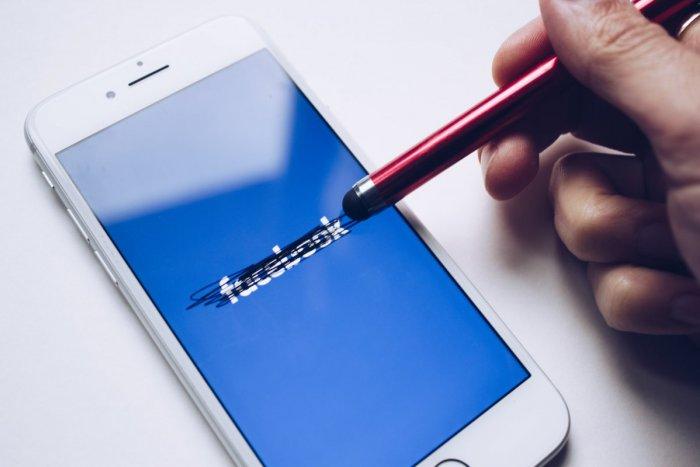 Ilustračný obrázok k článku Facebook už FUNGUJE! Môže za najdlhší výpadok sociálnej siete SABOTÁŽ?