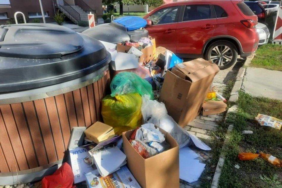 Ilustračný obrázok k článku Pri prázdnych kontajneroch vzniklo smetisko: Zasiahli nahnevaní obyvatelia, FOTO